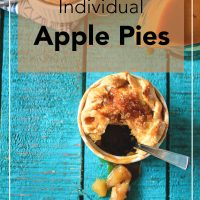 offset-individual-apple-pies-extreme-close-up-03-top-view-the-cupcake-confession
