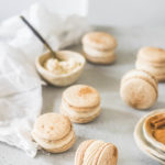 cinnamon roll macarons - the cupcake confession-2